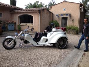 trike-sur-le-parking-de-lescleriade